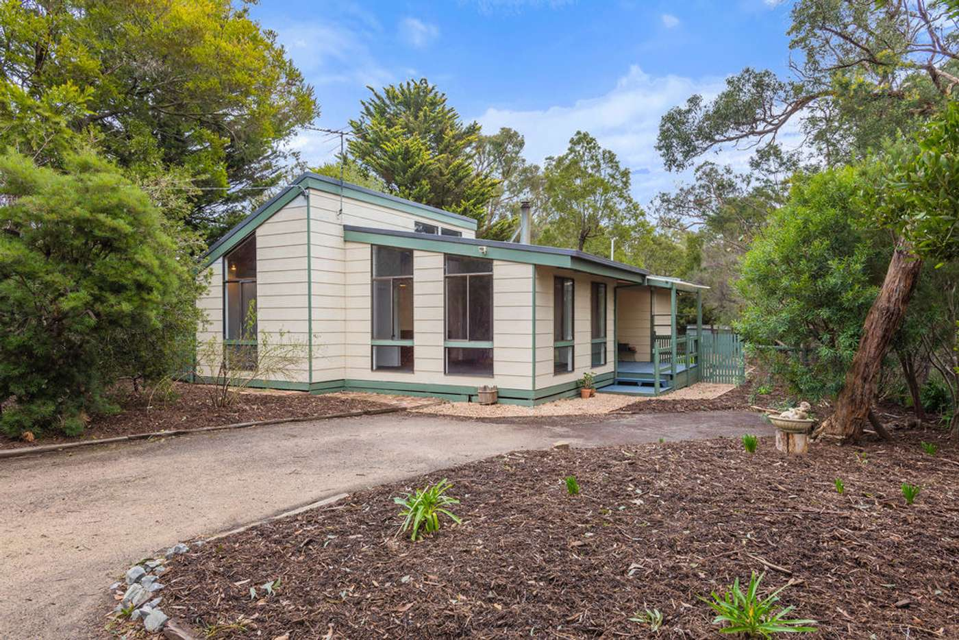 Main view of Homely house listing, 10 Williams Avenue, Macedon VIC 3440