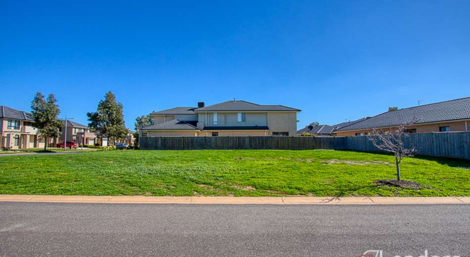 64 Beachview Parade, Sanctuary Lakes VIC 3030