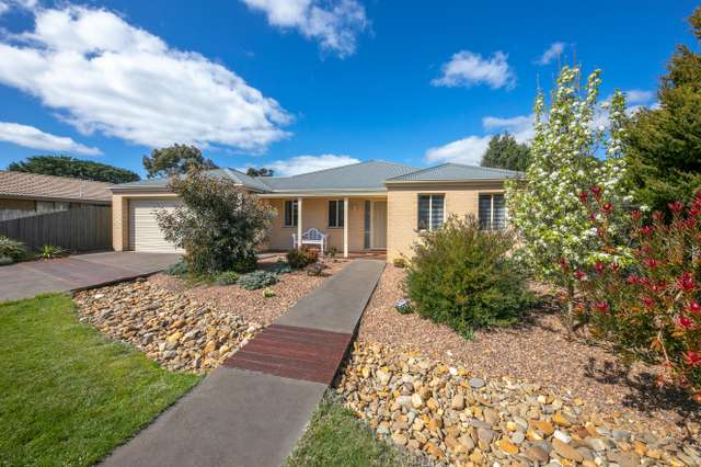 3 Acacia Court, Romsey VIC 3434