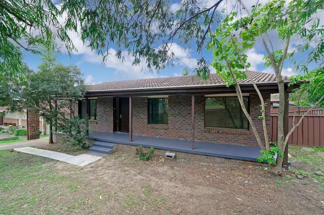 1 Kippax Place, Menai NSW 2234