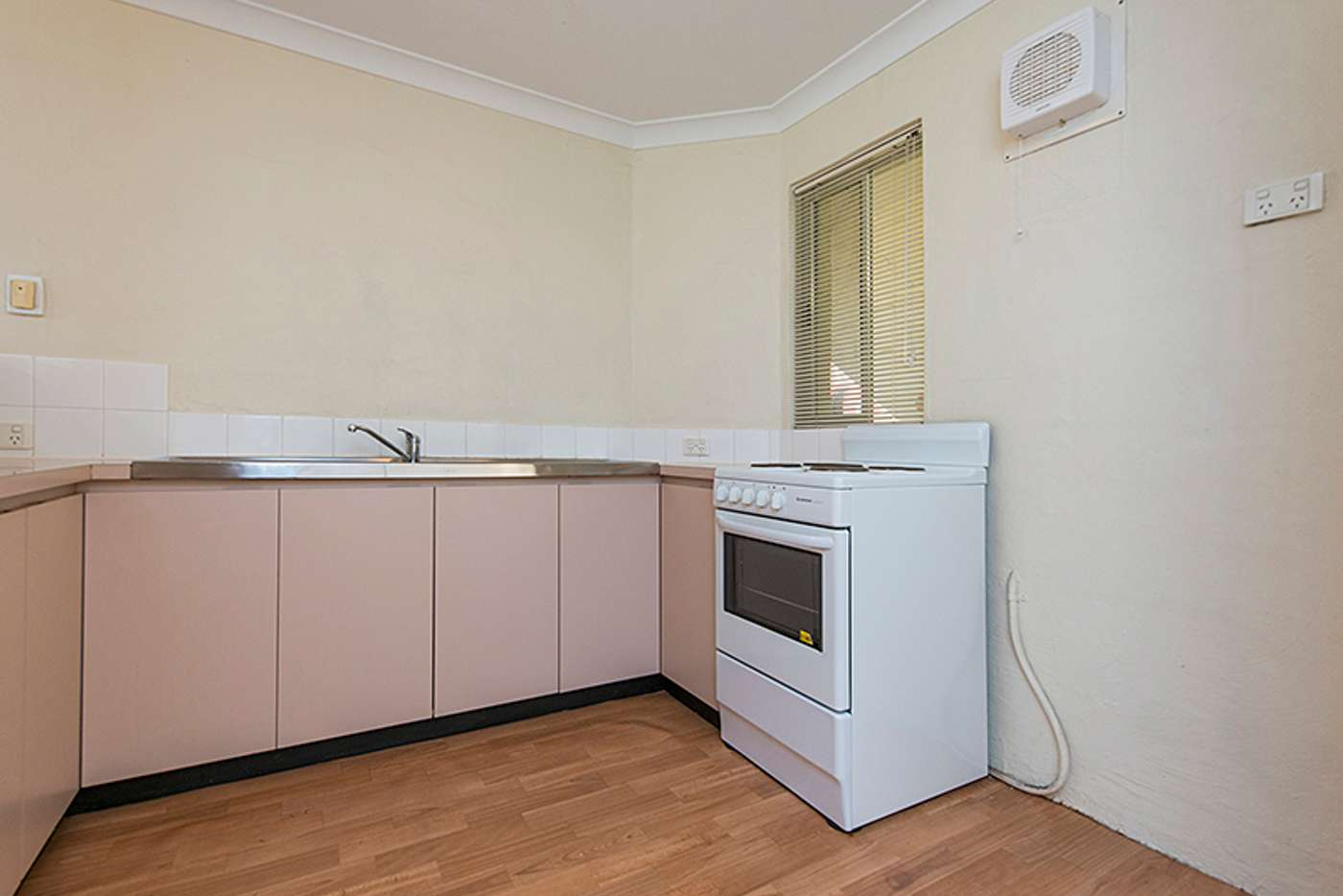 Sixth view of Homely unit listing, 22/11 McAtee Court, Fremantle WA 6160