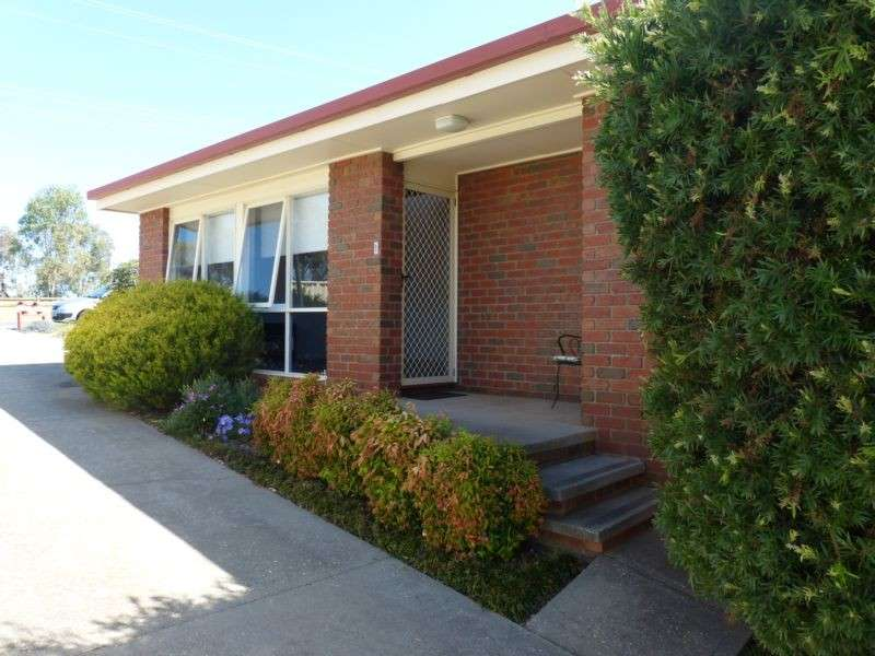 Main view of Homely townhouse listing, 1/383 Day Street, Albury, NSW 2640