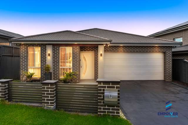 9 Olley Street, Claymore NSW 2559