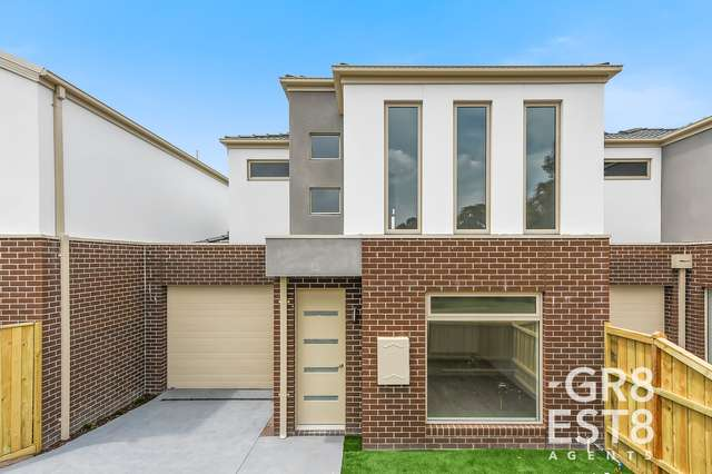 8 Robb Court, Hampton Park VIC 3976
