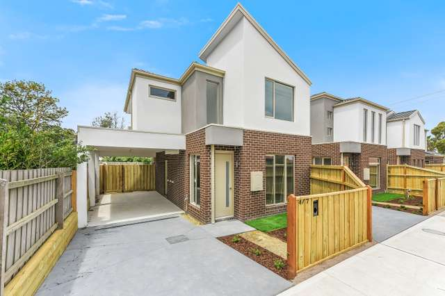 7 Robb Court, Hampton Park VIC 3976