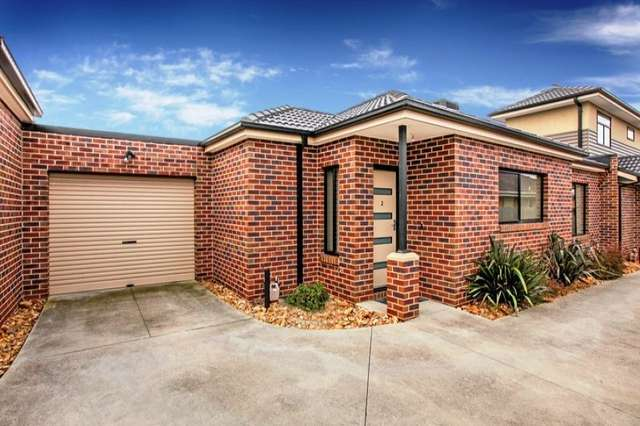 2/13 Walters Avenue, Airport West VIC 3042