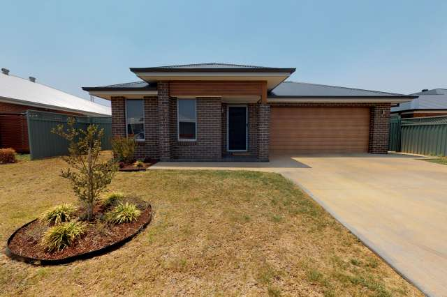 4 Waterfall Crescent, Dubbo NSW 2830