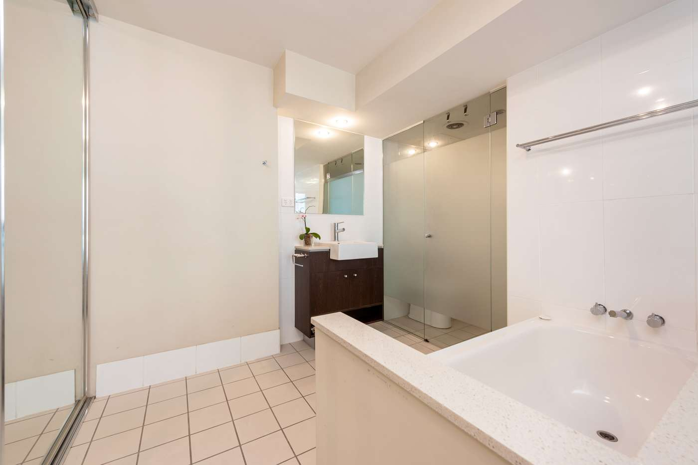 Sixth view of Homely unit listing, 1601/100 Quay Street, Brisbane City QLD 4000