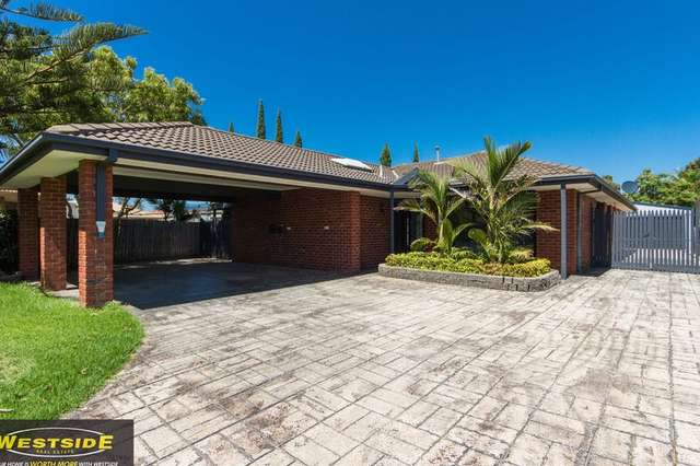 6 Penola Close