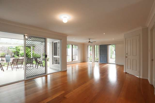 10 TOOMBA PLACE, Forest Lake QLD 4078