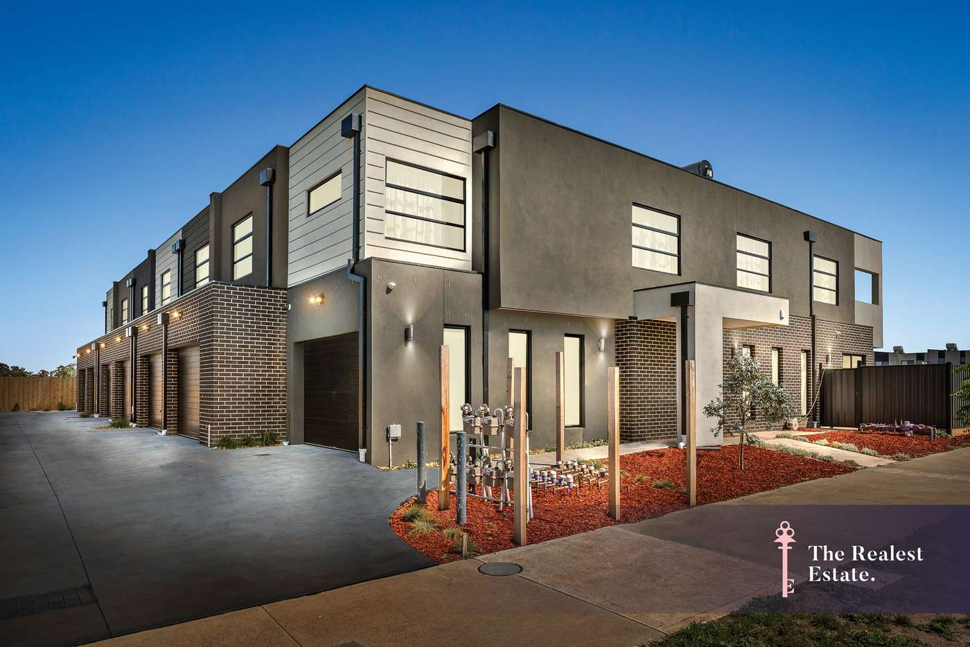 Main view of Homely townhouse listing, 2/90 Saltlake Boulevard, Wollert VIC 3750