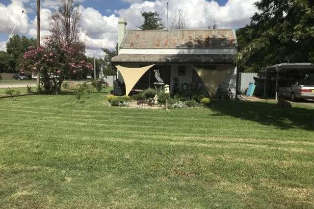 7 Horsfall Street, Berrigan NSW 2712