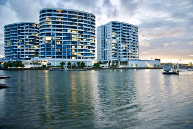 5 Harbourside Court, Biggera Waters QLD 4216