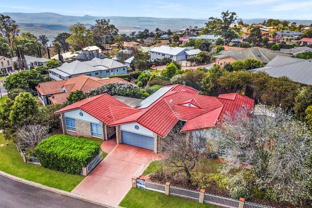 24 Windemere Terrace, Mount Lofty QLD 4350