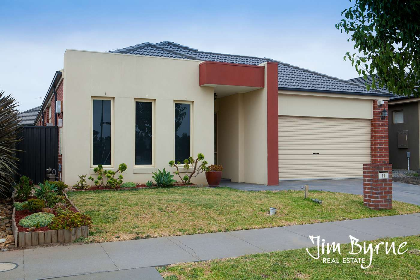 Main view of Homely house listing, 11 Platt Close, Pakenham VIC 3810