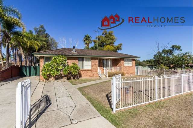 18 Lilley Street, St Clair NSW 2759