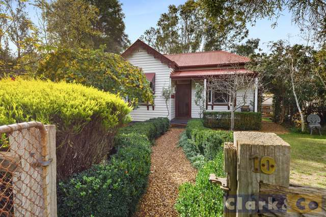 10 Young Street, Bonnie Doon VIC 3720