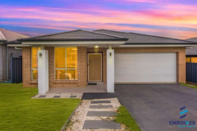 26 Crowley Boulevard, Claymore NSW 2559