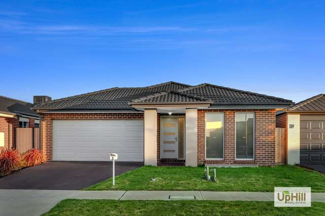 7 Cups Court, Clyde North VIC 3978