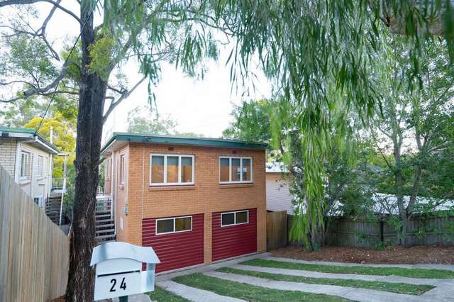 24 Dobbs Street, Holland Park West QLD 4121