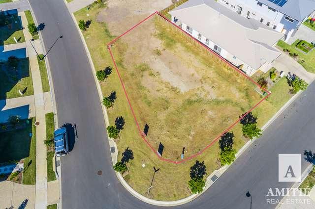 10 Compass Way, Newport QLD 4020