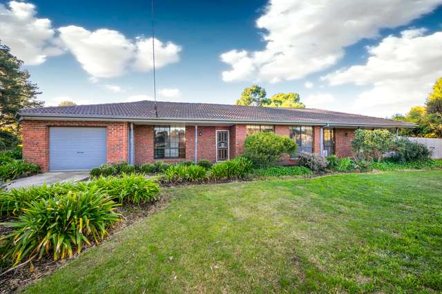 1 Digby Drive, Romsey VIC 3434