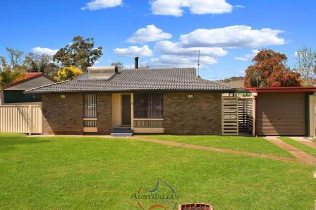 6 The Grandstand, St Clair NSW 2759