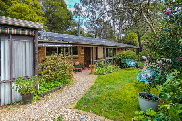 27 Centenary Avenue, Macedon VIC 3440