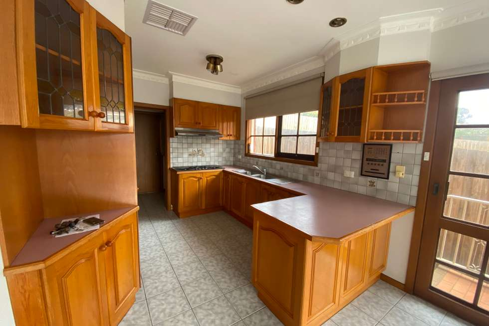 Fourth view of Homely unit listing, 9A Loeman Street, Strathmore VIC 3041