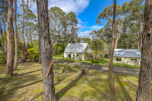 33 Blanche Parade, Mount Macedon VIC 3441