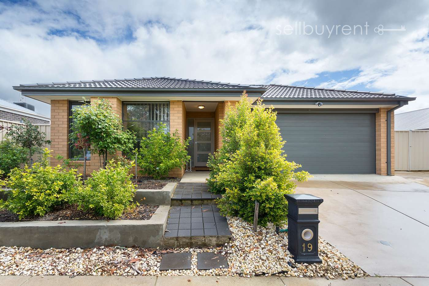 Main view of Homely house listing, 19 BUGDEN STREET, Wodonga VIC 3690
