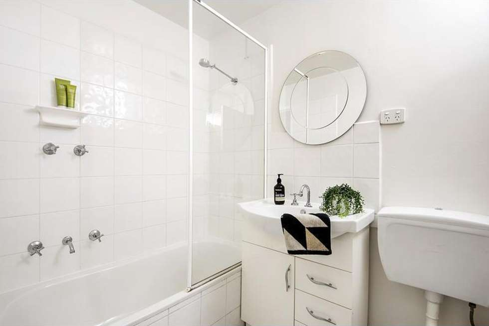 Fourth view of Homely apartment listing, 18/1 Duncraig Avenue, Armadale VIC 3143