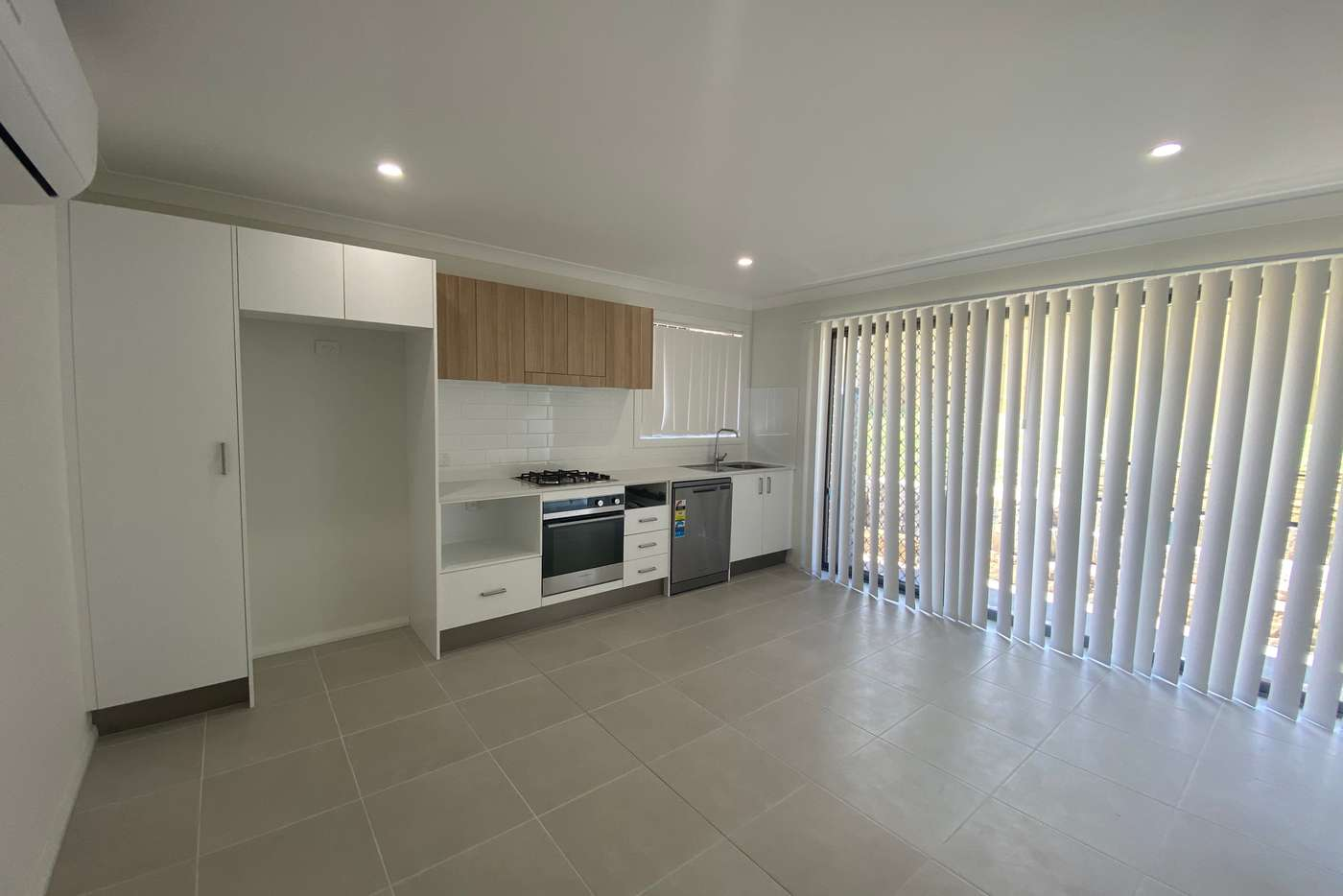 Main view of Homely unit listing, 2/36 Talleyrand Circuit, Greta NSW 2334