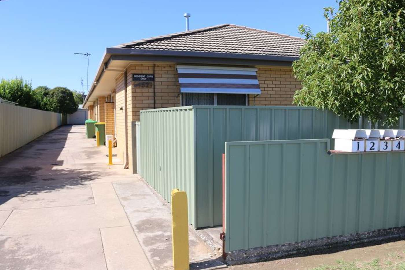 Main view of Homely unit listing, 1/452 Kotthoff Street, Lavington NSW 2641