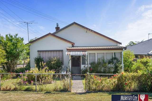 18 Coorumbung Street, Morisset NSW 2264