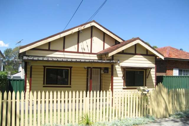 23 Defoe Street, Wiley Park NSW 2195