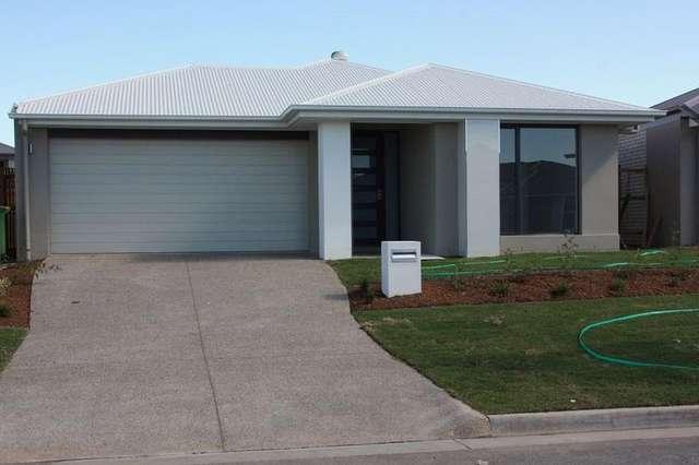 24 Whitsunday Circuit, Pimpama QLD 4209