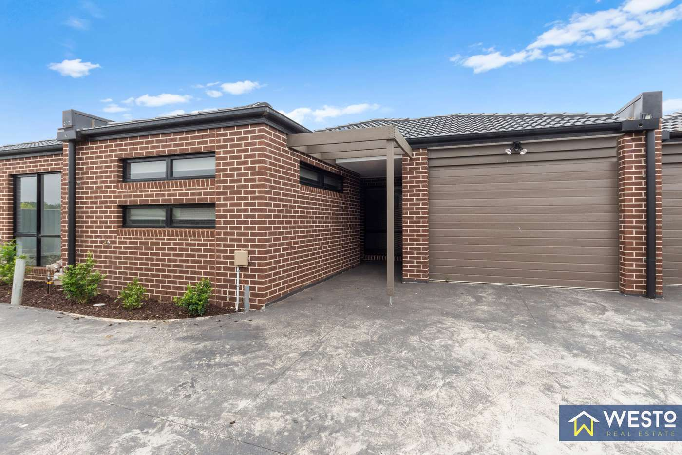 Main view of Homely unit listing, 4/32A Wynarka Drive, Hoppers Crossing VIC 3029