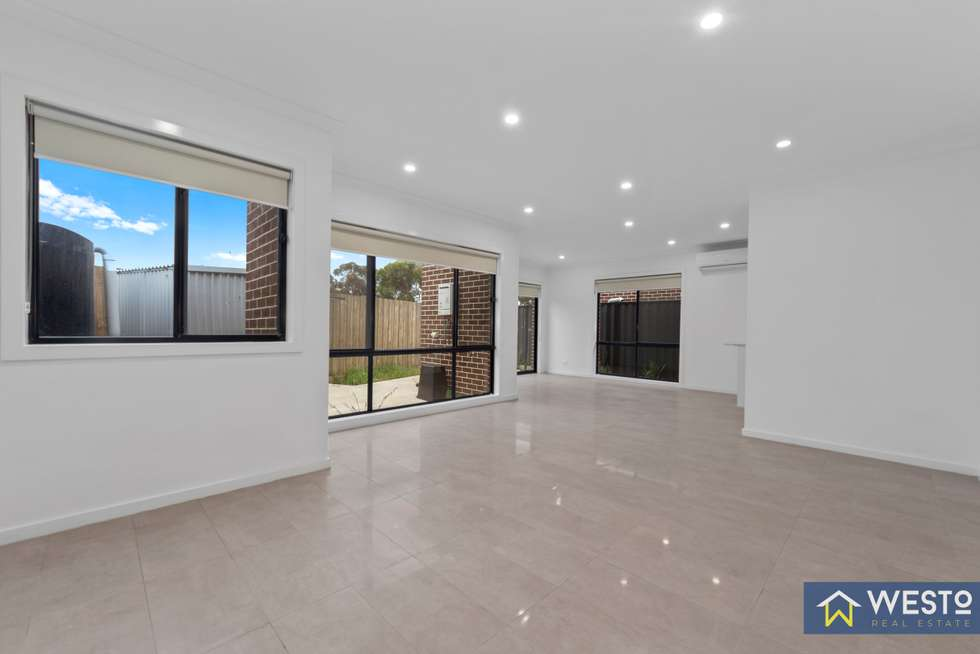 Second view of Homely unit listing, 4/32A Wynarka Drive, Hoppers Crossing VIC 3029