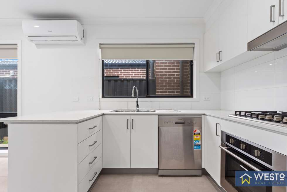 Fourth view of Homely unit listing, 4/32A Wynarka Drive, Hoppers Crossing VIC 3029