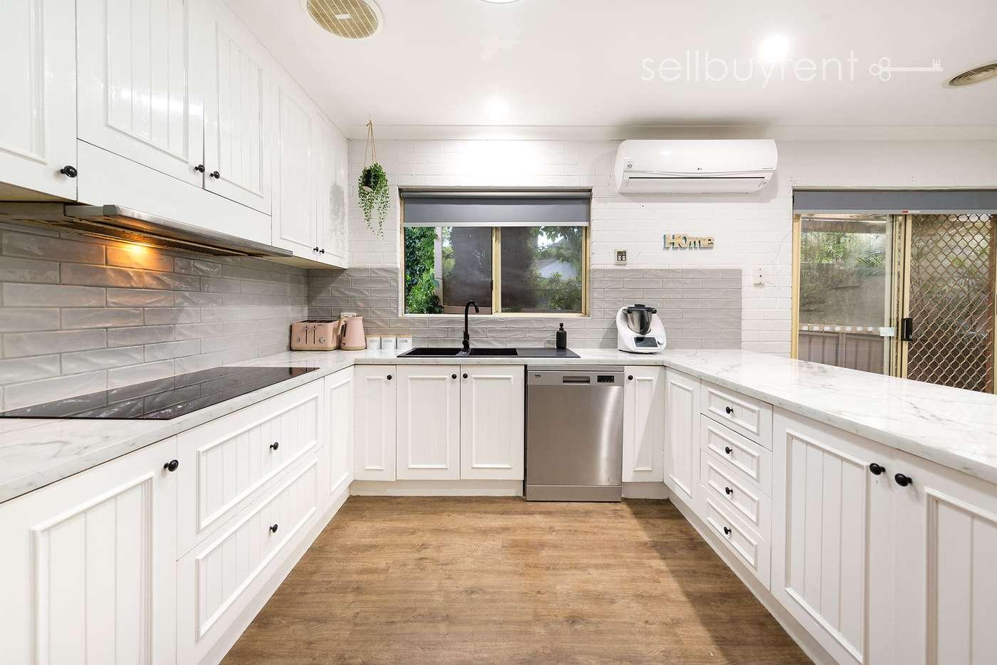 Sixth view of Homely house listing, 1 HELSINGOR AVENUE, Wodonga VIC 3690