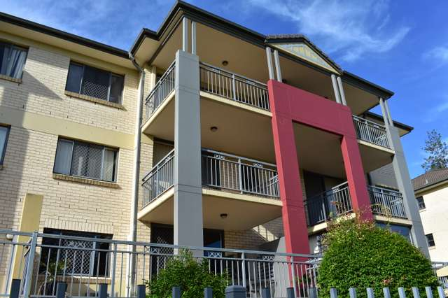 13/300 Sir Fred Schonell Drive, St Lucia QLD 4067