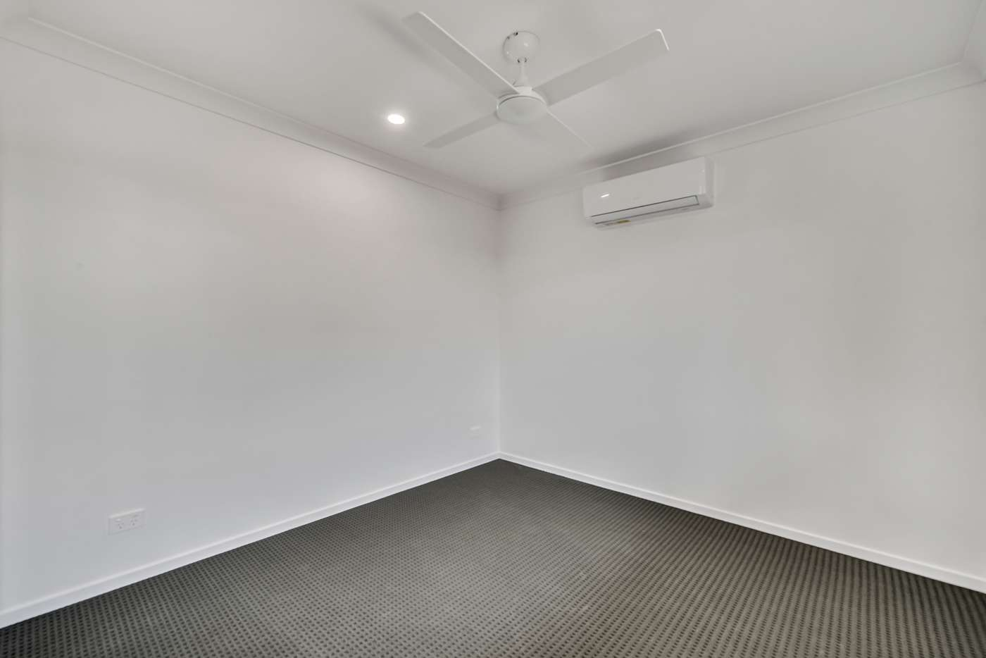 Seventh view of Homely unit listing, 10B Dennis Street, Walloon QLD 4306