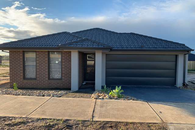 65 Odeon Ave, Clyde North VIC 3978