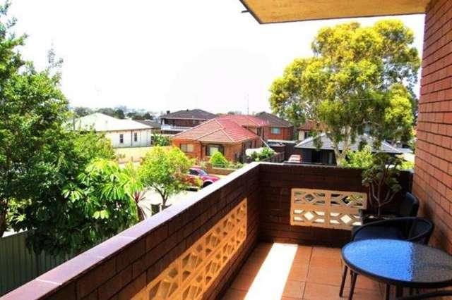 1/10 Myrtle Street, Coniston NSW 2500