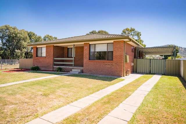 21 MCMASTER AVENUE, Lavington NSW 2641