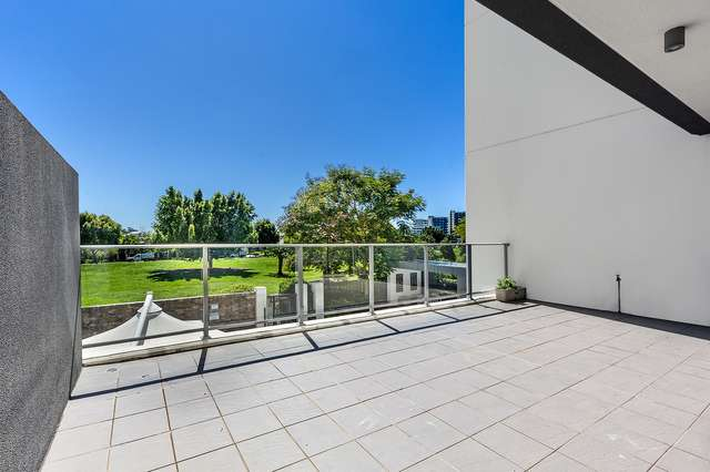 102/11 Compass Drive, Biggera Waters QLD 4216