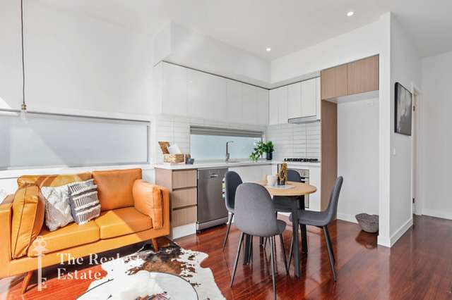 8/5 Queen Street, Essendon VIC 3040