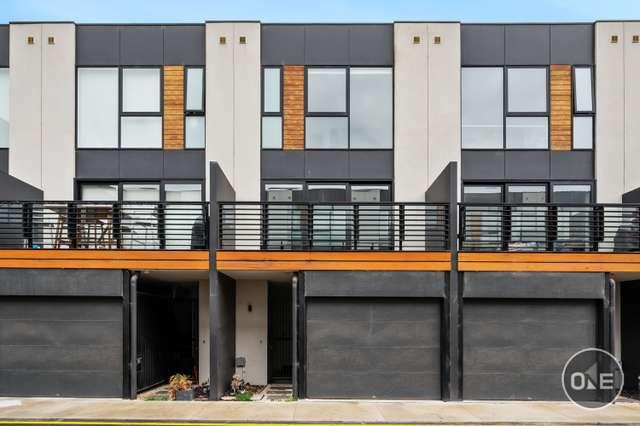 16 Bruford Road, Port Melbourne VIC 3207
