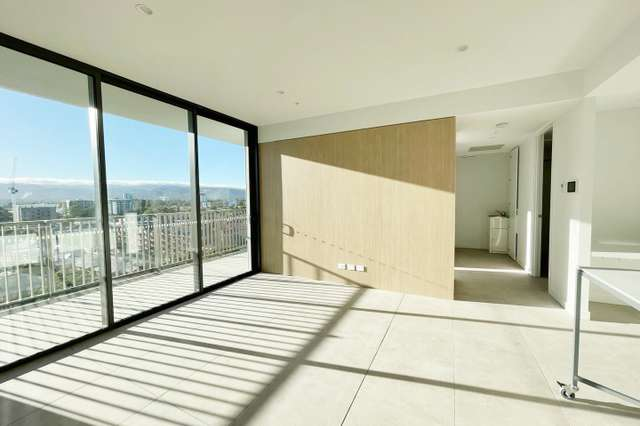 803/17 Penny Place